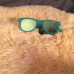 Green surge sunglasses